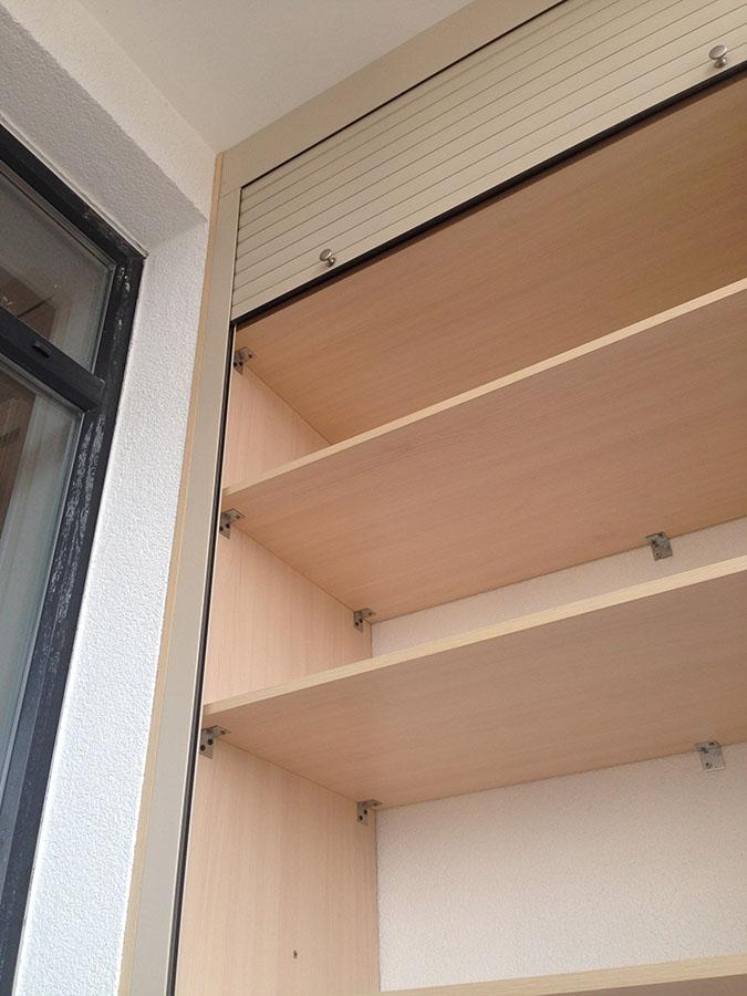 Чем закрыть полки на балконе фото